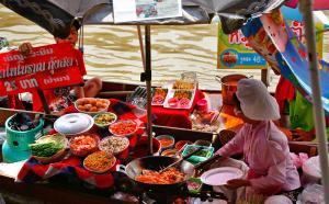 Nhà hàng nổi trên sông Amphawa