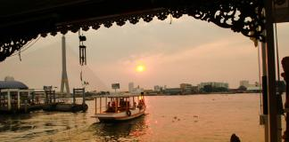Du lịch Bangkok bằng thuyền
