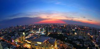 Nhà hàng sân thượng ở Bangkok