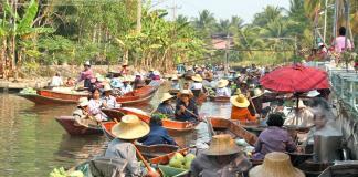Chợ nổi Tha Kha