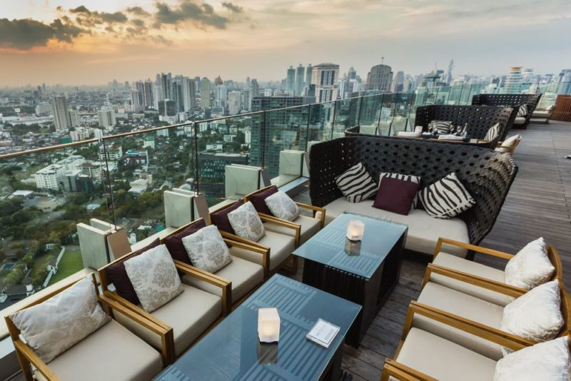 View từ the top of Octave Bar in Bangkok, Thailand_compressed - Ảnh: Stephane Bidouze / Shutterstock.com