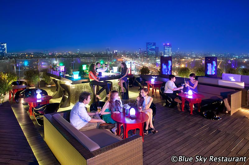 rooftop bar Blue Sky ở Bangkok