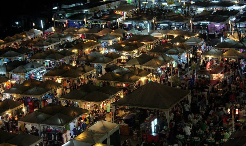 Khlong Lod Night Market