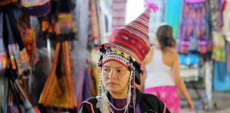 nón chóp nhiều màu ở Bangkok