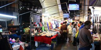 chợ đêm sukhumvit