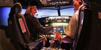 Trải nghiệm lái máy bay tại Flight Experience ở Bangkok Gateway Mall - Ảnh 3