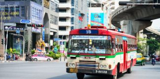 Cách đi lại bằng xe bus ở Thái Lan