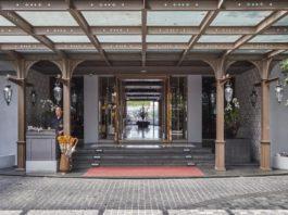 Khách sạn Riva Surya Bangkok Hotel